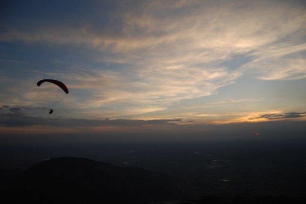 paragliding nandi hills
